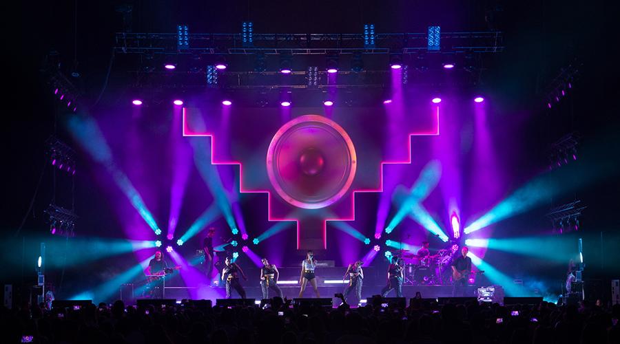"Spain's Aitana Hits ""Play"" with Dynamic Rayzor 760™ Effects"