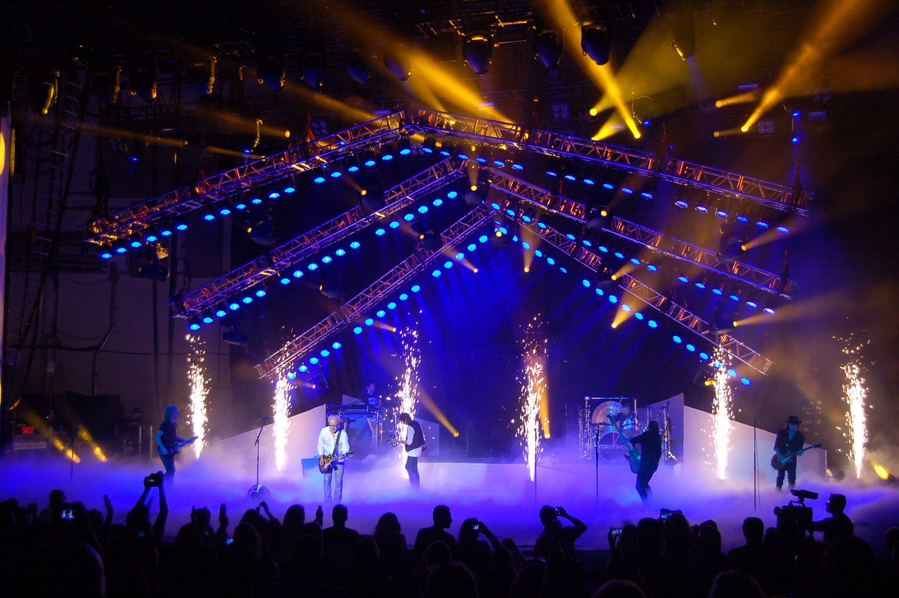 ... Tour appropriately featuring an old-school lighting design by Dan Lastovka using Elation Arena Par Zoom™ LED wash lights supplied by See Factor. & See Factor Supplies Elation Arena Pars for Foreigner 40th ...