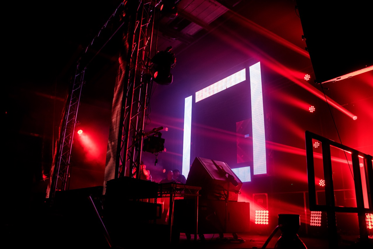 stage production co chooses elation effects for birmingham s crane