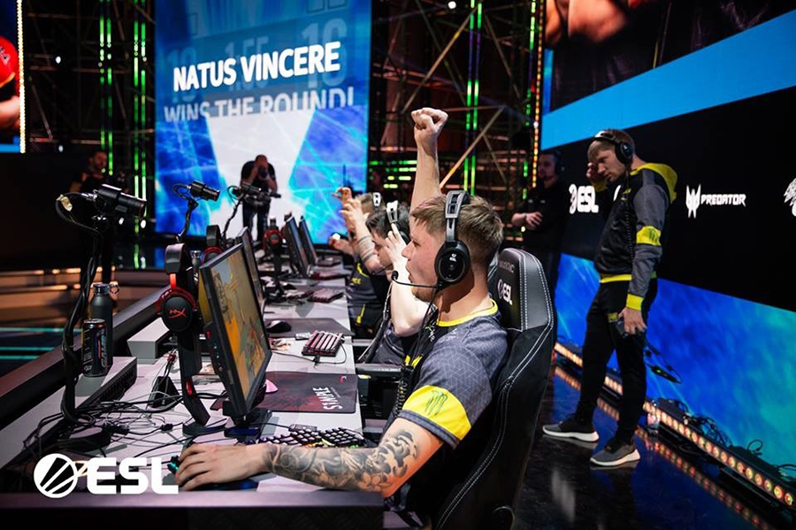player on computer at esports events