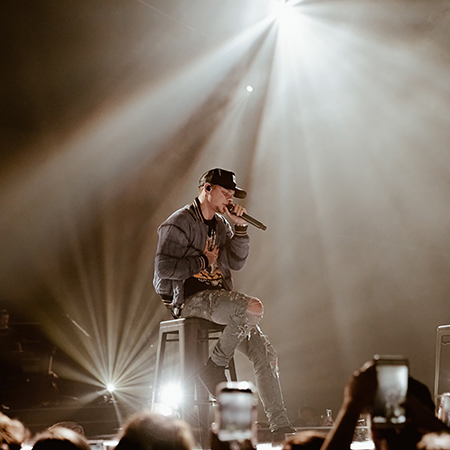 Trevor Ahlstrand Design for Kane Brown Tour includes Smarty Hybrid™