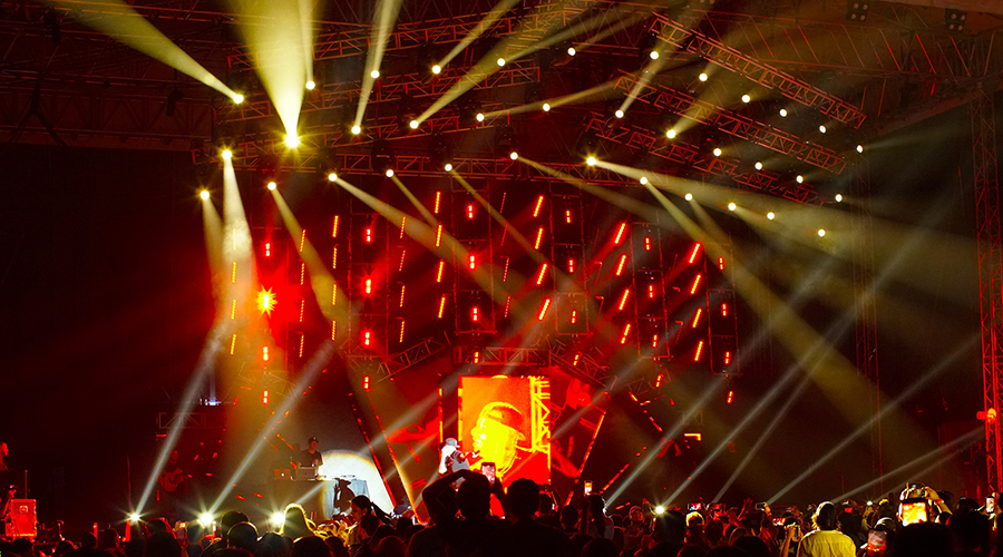 "Over 100 Elation fixtures set the party atmosphere for Nicky Jam ""Intimo Tour"" in Honduras"