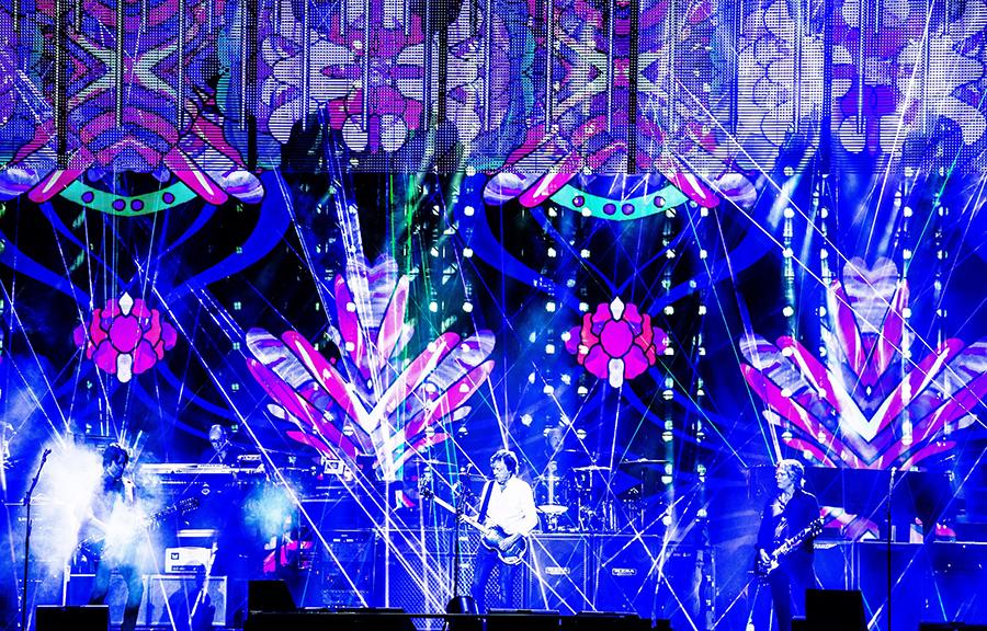 Paul McCartney on stage with 500 Elation Professional DARTZ 360 luminaires