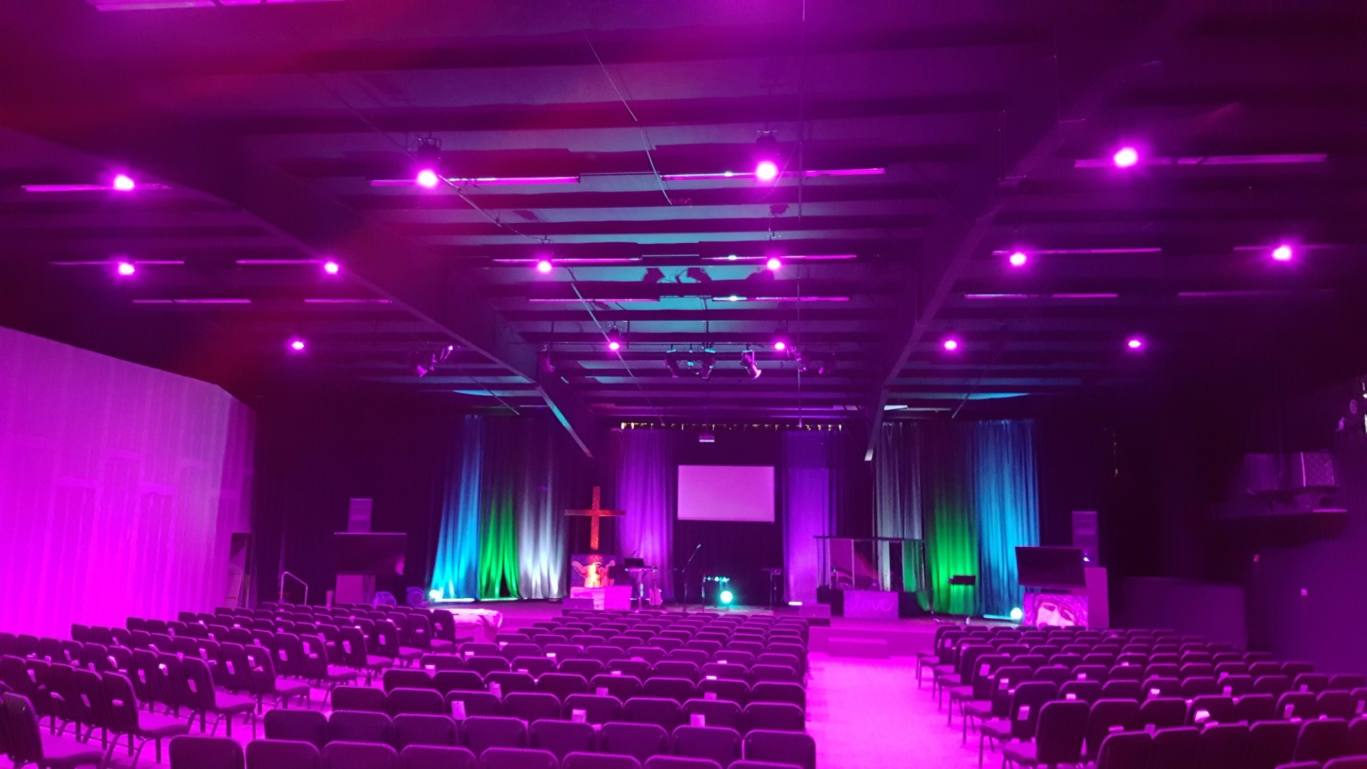 Oklahoma S Vintage Church Upgrades Lighting With Elation